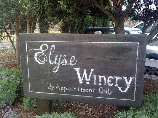 Elyse Sign